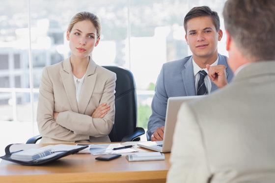 Собеседование на работу, как себя вести: 5 секретов языка тела